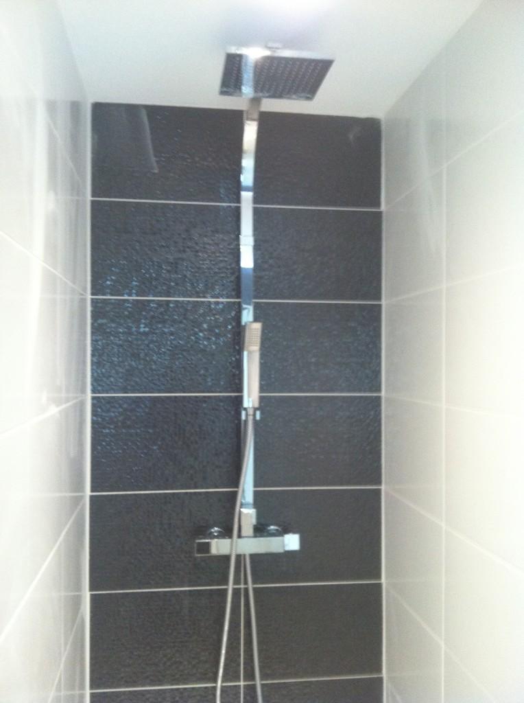 2012 06 salle de bain sur marseille douche type italienne sur marseille blb carrelage. Black Bedroom Furniture Sets. Home Design Ideas