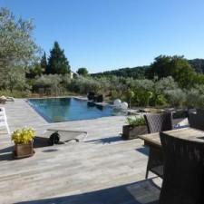 Ce client a fait appel à BLB Carrelage pour réaliser tous les pourtours de sa piscine ainsi que sa terrasse sur Eguilles à proximité d'Aix en provence.