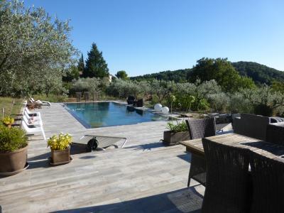 Eguilles proximit d aix en provence piscine carrelage - Parquet adhesif sur carrelage ...