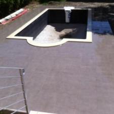 BLB Carrelage a réaliser les pourtours de cette piscine dans les alentours de Pélissanne.